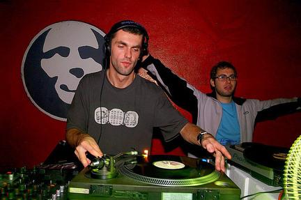 DJ Grining - foto: Sigi