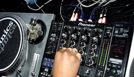 DJ AT WORK & Phuzion Records present: ATMOSPHERE