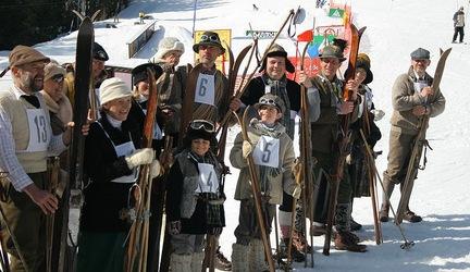 Lyžovačka v dobových kostýmoch , 13.3.2011, Svah Interski, Štrbské Pleso