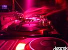 Súboje MC's, DJ-ské výkony Slighta, Bendhyho, Dualla, Olis Bakulu a Felca a vyše 240 baviacich sa ľudí, to všetko bolo súčasťou dnb párty Check Da Mic v košickom klube Stars. Fotil Duall.