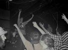 Komplikovaná bassová linka a rýchle tempo šéfovali bratislavskému Subclubu v sobotu 14. marca. Djs Twisted Individual, Kidd Ruff, Zybex, Blupcat, Kiara a MCs Daxta a Aktiff dopriali rozpálenému davu tvrdé, šialené rytmy a atmosféra začínala naberať na temnote..