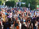 Tak a máme to tu, prvé zabery z Interface vlaku z Košíc do Trenčína a atmosféry prvého koncertu na Bažant Pohode 2009. Svoje 3 a pol hodinové vystúpenie odohrali Basement Jaxx po nich nasledovali spevácke zbory z Anglicka a Slovenska.