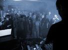 Popradský Zanzibar sa po 3/4 roku opäť rozbúchal. V klubových tónoch tanečnej hudby sprevádzali: hosť z Plzne DJ Molczik a domáci Facet. Atmosféra jedinečná, hudba výnimočná! Zopár prvých záberov prináša Vlado Lorinc.