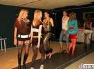 Znovuotvorenie klubu Ponorky v Kežmarku sa začalo módnou prehliadkou Chamuel Fashion Style with Dj Palko Facetku. click!