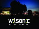 Hudobný festival Wilsonic aj tento rok odprezentoval aktuálne hudobné klubové a tanečné trendy nielen z oblasti elektronickej hudby. Po úspešnom prebrodení sa pieskom a štrkom ste mohli už vo štvrtok 11.6. 2009 okúsiť nový festivalový areál, ktorý sa presunul na mestskú pláž Summer Club Inchceba. Práve toto miesto sa stalo pulzujúcim srdcom, ktoré rozprúdilo návštevníkov i samotných organizátorov a účinkujúcich. Mohli ste sa tak stať akoby súčasťou maďarských projektov, ktoré sprevádzali domáci interpreti. Vystúpili Nové Mapy, Uno Y Medio, Uniques, Zagar, Realistic Crew a Lavagance. Piatkový wilsonicovský program odštartovalo vystúpenie Noisecut-u o 16.00 na Wilsonic.LIVE stage-i. Slovenskú hudbu však počas noci zastúpili aj interpreti ako Foolk, Karaoke Tundra, Isobutane a iní. Vlnu dubstepového ošiaľu odprezentovali český Machine Funck, Side9000, Ans a predstaviteľmi aktuálnej wonky scény boli napríklad Dorian Concept a Angličan Hudson Mohawke. Samozrejme nechýbalo ani vystúpenie obľúbených Nôze - All Star Band s Danim Sicilianom!