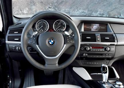 BMW X6 - interiér